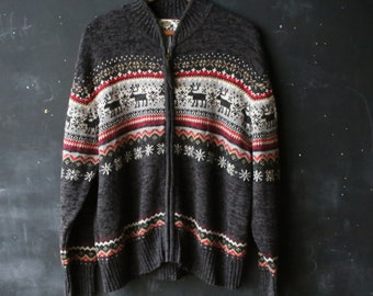 Vintage Cardigan Sweater With Deer in Gray White and Red Ramie Cotton Blend From Nowvintage on Etsy