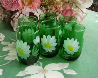 Set of 6 hand painted daisy green juice glasses, vintage 1940s