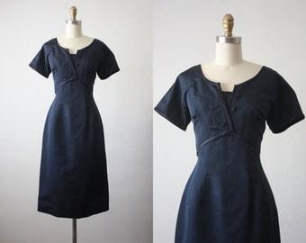 navy pier dress / 60s dress / 1960s wiggle dress