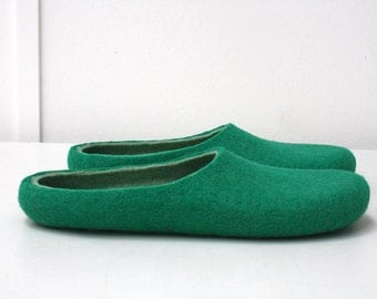 Mr. Green / Felted wool slippers are ready to ship in EU 40,5