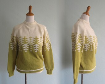 Vintage 1960s Sweater - Green and White Snowflake Ski Sweater - 60s Kimlon Sweater M L