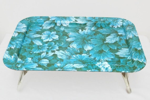 Metal Folding Tray, Blue Floral on Green, Breakfast Lap TV Tray, Flowers, 1960s, Cottage Chic