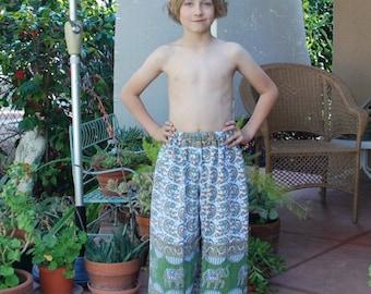Hippie Pants - Green Elephant- Size 6-7 - Capris for older child-Read measurements