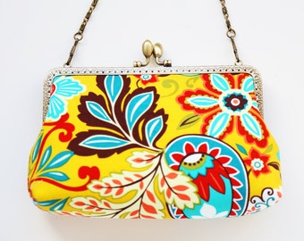 FALL in love Clutch Bag (Cosmetic Case, Makeup Pouch, Travel Bag, Bag Belt)