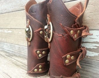 Primitive Oiled Brown Leather Peaked Bracers with Antique Brass Raven Skull & Embossed Ring