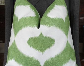 Duralee, Pillow Cover, Decorative Pillow, Throw Pillow, Sofa Pillow, Ikat Print, Green Ikat, 20x20 inch, Home Furnishing, Home Decor