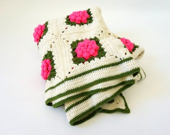 Vintage Crocheted Floral Blanket VGC / 58x46, Hot Pink 3D Flowers, Ruffeld Edge / Cottage Cabin Style, 1960s Retro Home Decor