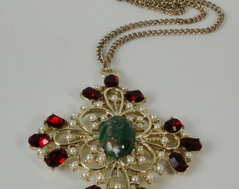 DODDS Gold tone  with Red Rhinestones, Faux Pearls and Green Cabochon Pendant Necklace.