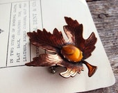 Vintage Copper Leaf Brooch Pin Autumn Fall Leaves Marbled Amber Stone Setting Oak Leaf Costume Jewelry