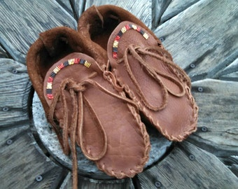 Adult Buffaloskin Moccasins - Size 10 Men or 11 Women. Native American Moccasins, Deerskin shoes, Ceremonial Regalia, Hand Beaded, Slippers