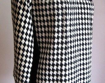 Retro Vintage DRESS Sixties Modern Era Jackie O MOD Black Check Flattering Shift