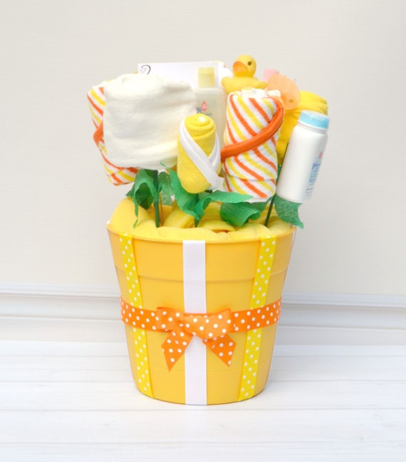 Baby Shower Gift Ideas Unisex : Baby gifts neutral bath gift basket gender reveal