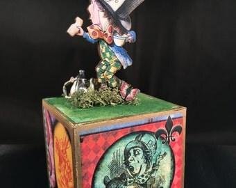 Alice in Wonderland Block: The Mad Hatter