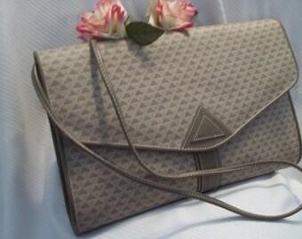 MINT Beautiful Liz Claiborne Signature Taupe Envelope Cross Body Shoulder Bag - Women's - Vintage