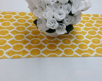 "RTS Lot of 4 yellow and white 72 x 13"" Wedding party tablerunners, table runner 615"