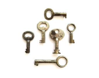 6 vintage skeleton keys, antique skeleton keys, primitive keys, old keys, antique keys, jewelry keys old skeleton keys, skelton keys, bit, 1
