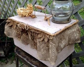 Primite Farmhouse Box / French Rustic