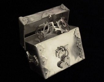 Sterling Silver Personalised Engagement Ring Box with Heart Padlock - Arabesque - TREASURE CHEST