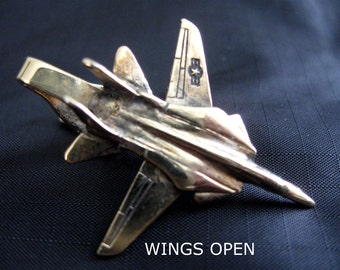 Vintage F-14 Tom Cat Fighter Jet Moveable Wings TIE CLASP US Navy Goldtone