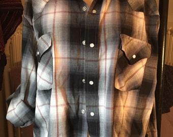 Pearl snap weatern shirt