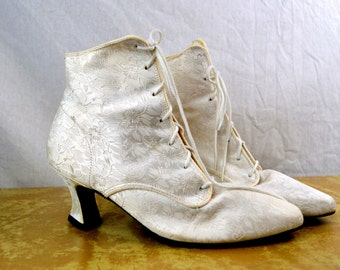 Vintage White Lace Heel Classic 80s Party Booties Shoes - Rocker Wedding - By Studio 6