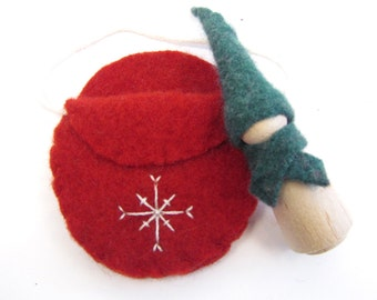 Red and Green Winter Peg Doll Toy, Waldorf Wooden Toy, Felted Wool Pouch