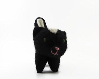 Waldorf toy, toy skunk, waldorf animal, stuffed animal, stuffed toy, ecofriendly toy, felted animal, wool toy,