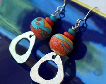 Southwestern Earrings, Triangle Earrings, Orange Red Earrings, Lampwork Earrings, Hammered Earrings, Glass Earrings, Colorful Earrings
