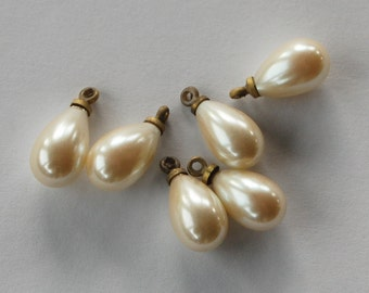 Vintage Glass Pearls Tear Drop Pearl Bead Pendants Aged Brass Top 15mm