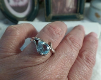 Vintage Aquamarine Solitaire Pear shape Sterling Silver .925 Ring Size 6