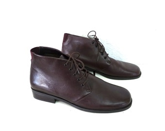 Vintage Brown Leather Boots Ankle Lace up Womens Size 7.5,  Size 8.5W