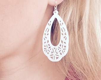 NEW cut out white wood summer dangle earrings