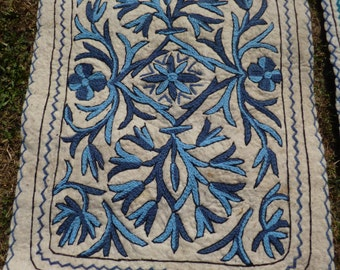 3 Small Pretty Felt Rug Wool Kashmiri Hand Embroidered felted Namda Kilims Tapis Mats