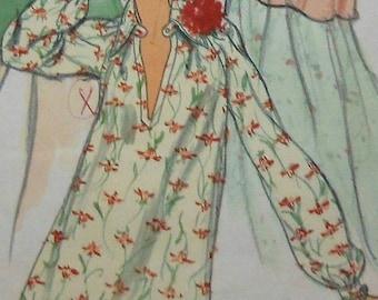 Retro Blouse Sewing Pattern UNCUT Vogue 9173 Size 12