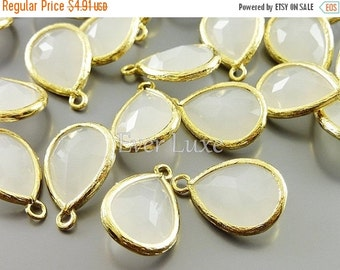 15% OFF 2 white opal glass with gold bezel pendants with white opal glass stones / jewellery designs 5073G-WO (bright gold, white opal, 2 pi
