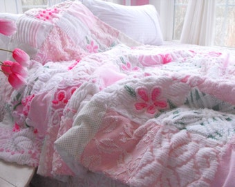 GORGEOUS FLUFFY SNUGGLY Large Vintage Chenille Patchwork Quilt Pink And Green