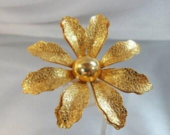 FALL SALE Vintage Flower Brooch.  Large. Gold Tone.