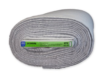 1/2 yard Insul-fleece Pellon 975 - Insulated fleece with mylar for potholders, shopping bags, lunch sacks, casserole carriers