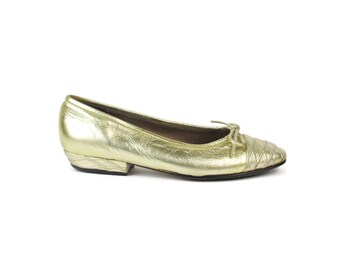 Gold Leather Ballet Flats 1990s Quilted Leather Flats Slip on Shoes Bows Vintage Ballerina Flats Soft Leather Shoes Low Heel Size 5.5