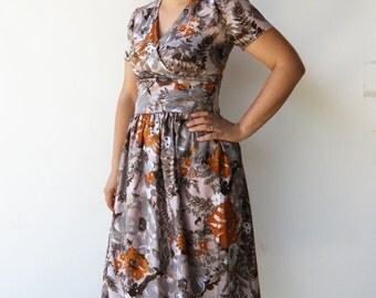 Vintage Fall Flowers Dress / 1950s Dress / Size M L
