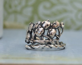sterling silver LILY Of The VALLEY RING, vintage sterling silver spoon ring adjustable, size 9, antiqued silver lily ring,