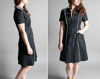Vintage 1960's Mod Day Dress - Black White Zip Up Collar Shirt Dress ShirtDress Modern Fitted A-line Short Sleeve Go-Go - Size Medium M