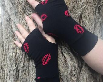 Fingerless  gloves Red ladybug