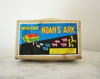 Vintage Shackman Japan Wood Miniature Toy Noah's Ark with 2 People and 10 Animals