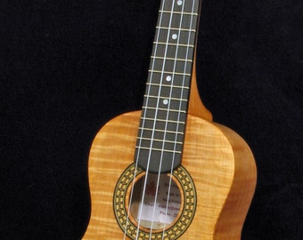 Concert Ukulele (Curly Maple)