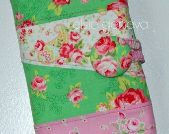 Roses Crochet Hook Case - Mint Green and Pink - Organizer - Roll - Sewn in Notions Pocket - Personalized Option - Made to Order