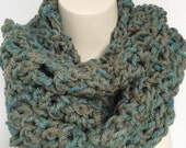 Crochet Infinity Scarf, Crochet Cowl Scarf, Crochet Mobius Scarf, Crochet Women Scarf, Crochet Accessories, Wraps and Scarves, Chunky Scarf