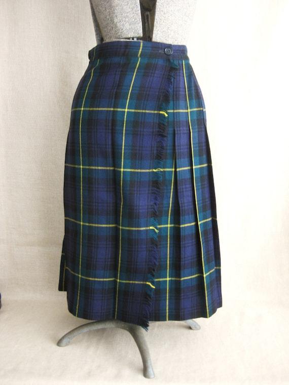 Ladies Plaid Skirt 40