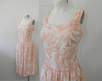 Adorable Vintage Peach and White Floral Sundress