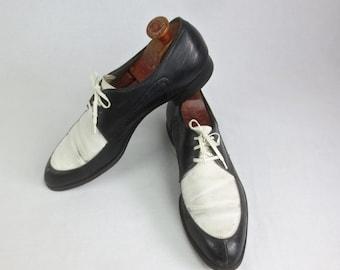 Vintage 1950's Man's 2 TONE Shoes-Black & White Leather Lace-Up Shoes w/ Wooden Shoe Stretchers 11